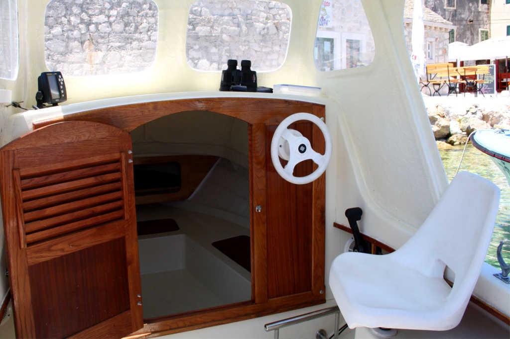 rent a boat toni