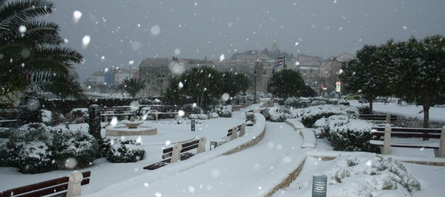 VIDEO – Let it snow in Primošten