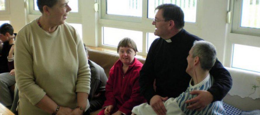 "HUMANITARNA KORIZMENA AKCIJA ""VERONIKIN RUBAC"": Svojim prilozima pomognimo djeci s posebnim potrebama u Solinu"