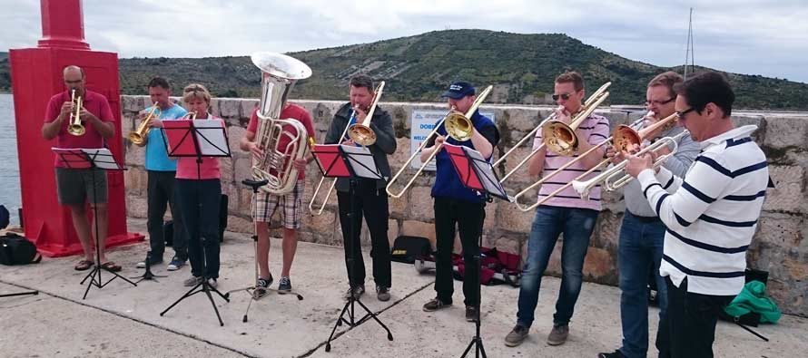 Kako su turisti počastili primoštence finom glazbom