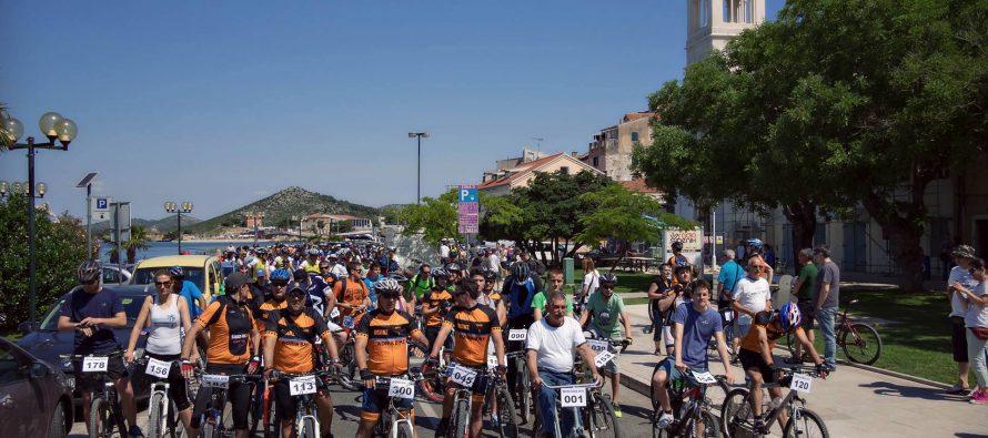 Šibenski biciklisti za Rebeku prikupili šest tisuća kuna!