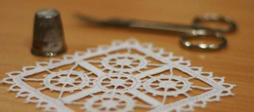 UPIŠITE TEČAJ: Novo godište učenja šivanje čipke u Primoštenu
