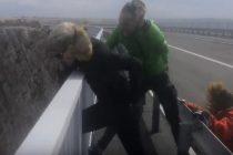 VIDEO: Skoro odletjeli – Kad bura potegne 170 km/h na Paškom mostu