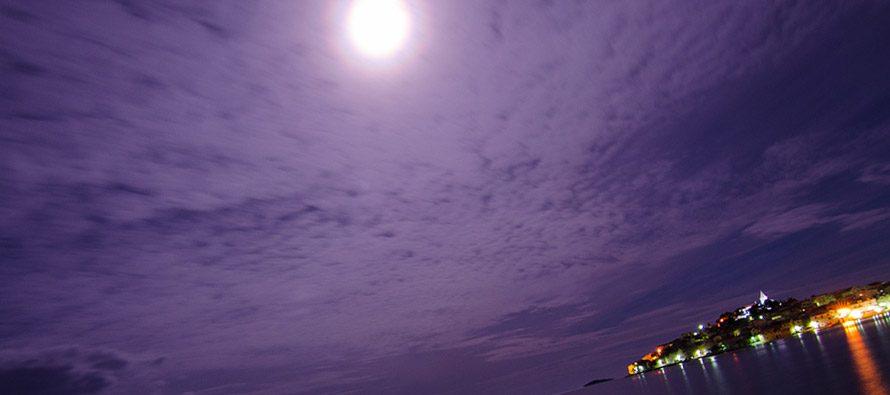 Supermjesec iznad Primoštena