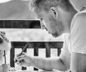 Roditelji, koliko god da imate dobre namjere, pretjerani trud i briga mogu dovesti do gušenja djetetove osobnosti i samopouzdanja