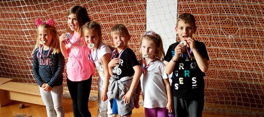Na 4. međunarodnom kickboxing turniru u Polači osvojeno 17 medalja