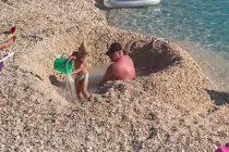 FORA PLUS – Najbolji tata i najveći bazen