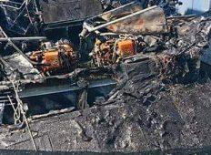 Ostaci požarom potopljenog broda