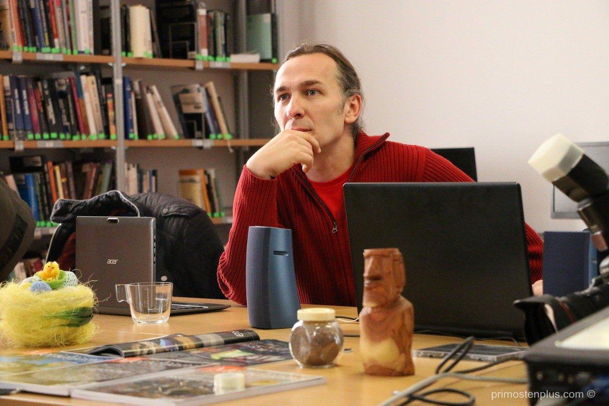 FOTO – Jurica Galić u knjižnici – Ekspedicija Rapa Nui