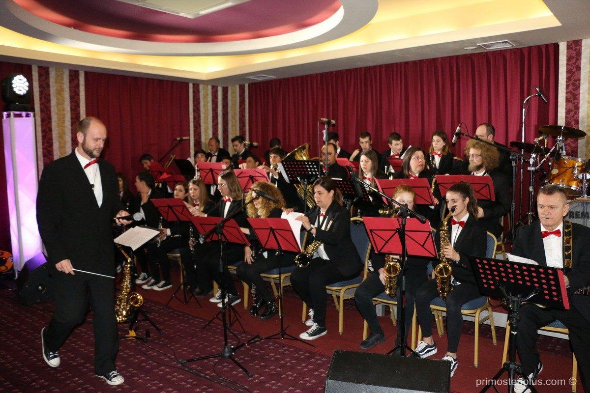 Foto – Singrlice i puhački orkestar Primošten