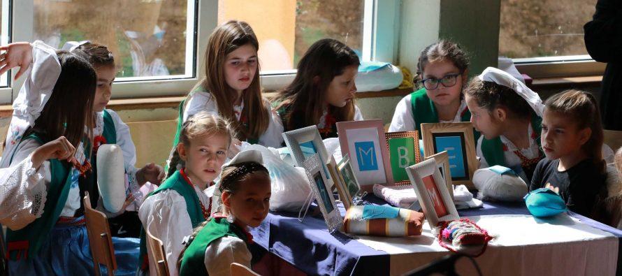 "FOTO: Završna svečanost 10. literarno – likovnog natječaja ""Poj riči materinske"""