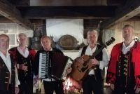 "Koncert klape ""Adria"" na terasi restorana Camp Adriatic"