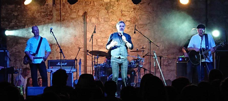 FOTO/VIDEO: Škorin koncert u Primoštenu